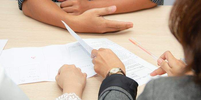 Writing a Resume and a Cover Letter - papers for the job interview in Canada